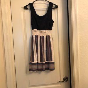 Dresses & Skirts - Short dress